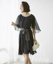 ビジューケープドレス