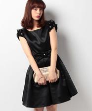 フラワーリトルブラックドレス