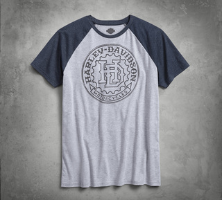 ラグランスリーブTシャツ