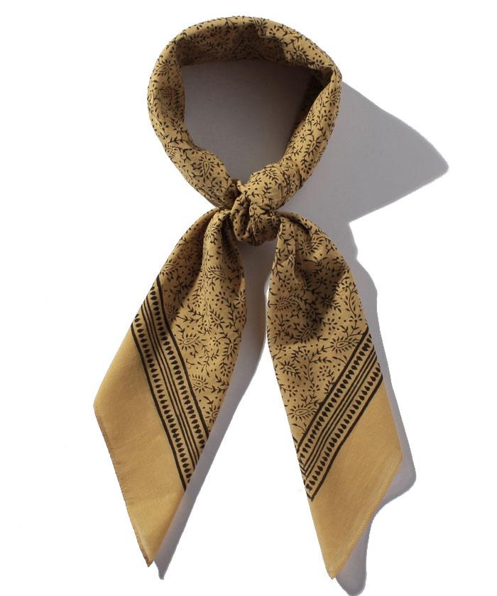 GY44 CARRE スカーフ