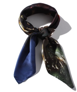GU59 CARRE スカーフ