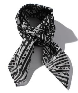 NP72 CARRE スカーフ