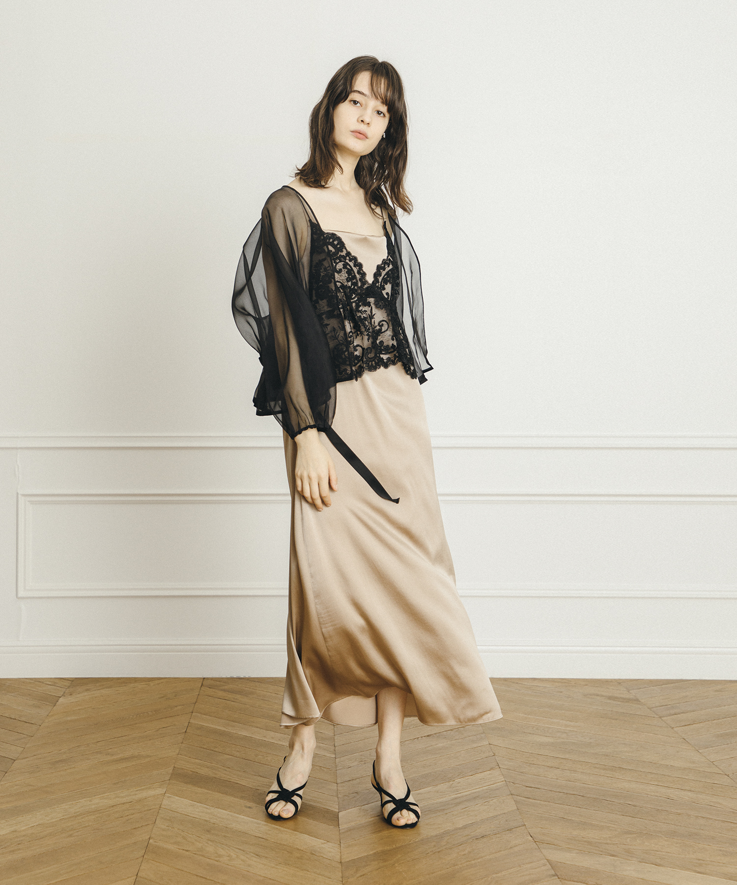 【LOULOU WILLOUGHBY】シルクサテンキャミドレス
