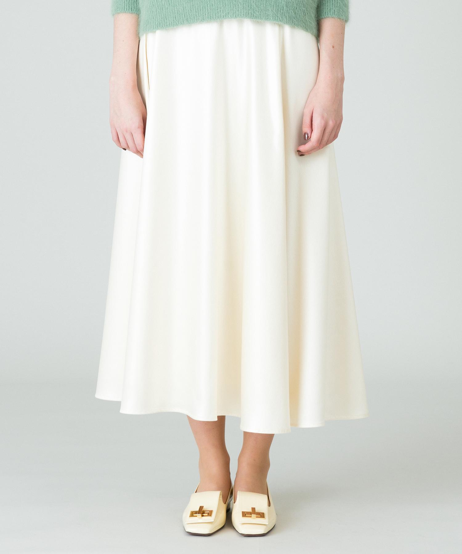 レザーライクサテンフレアースカート