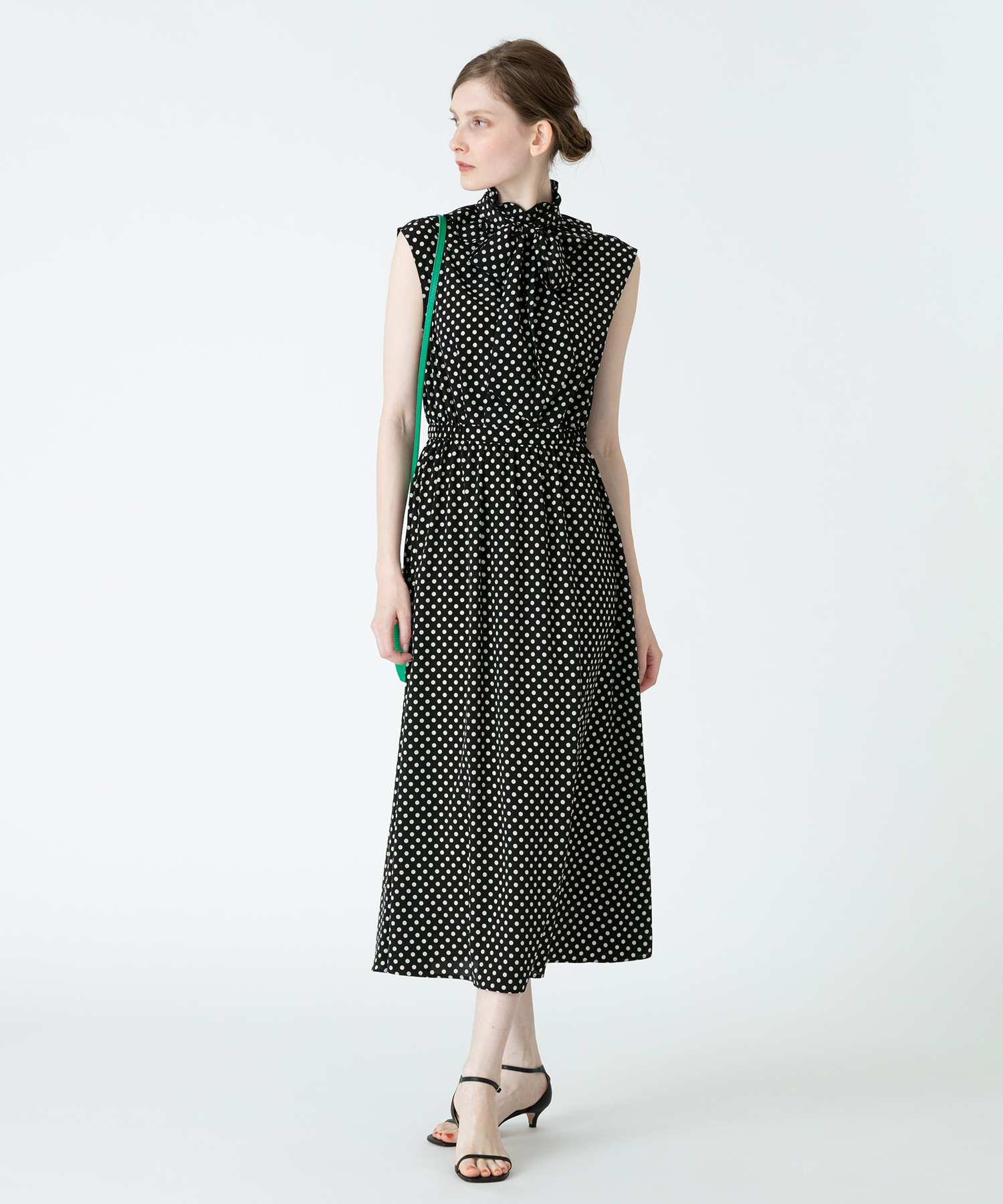 【LOULOU WILLOUGHBY】デシンドットノースリーブワンピース