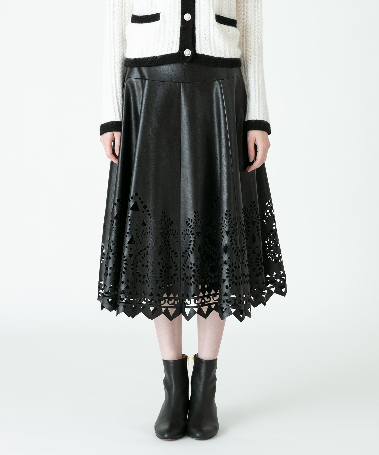 【LOULOU WILLOUGHBY】フェイクレザーパンチングスカート