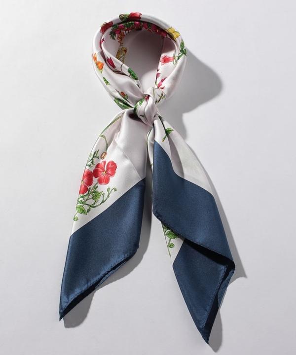 フラワーモチーフスカーフ