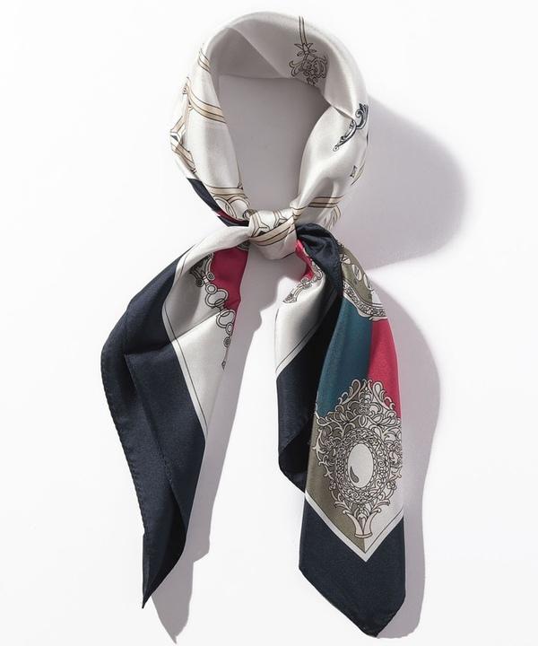 シルクウォッチモチーフスカーフ