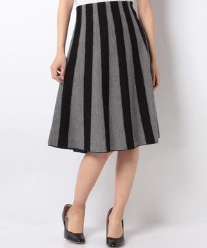 ウール混ブラックコントラストプリーツニットスカート