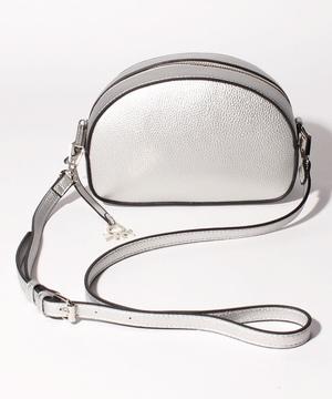 ブランドエンボスロゴメタルチャーム付きミニショルダーバッグ