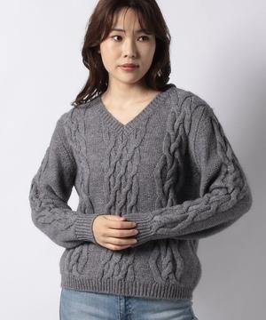 Vネックアランニット・セーター