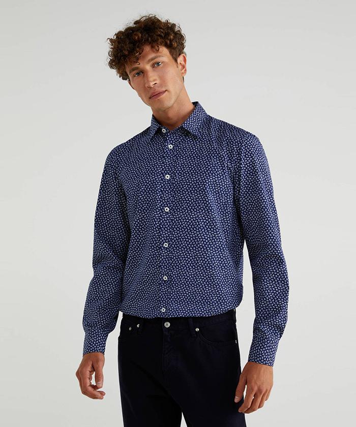 総柄プリントシャツ