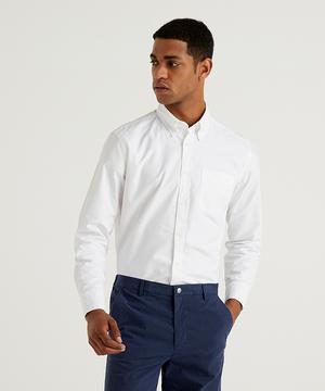 レギュラーフィットボタンダウンシャツ