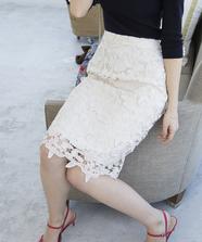 フラワーケミカルレースタイトスカート