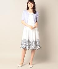 裾フラワー刺繍ワンピース