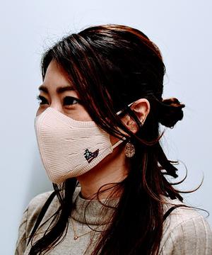 ニット素材のファッションマスク