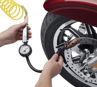 タイヤ空気圧ゲージ&フィルバルブ