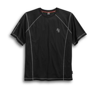 パフォーマンスTシャツ