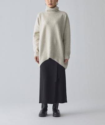 シルクタイトスカート
