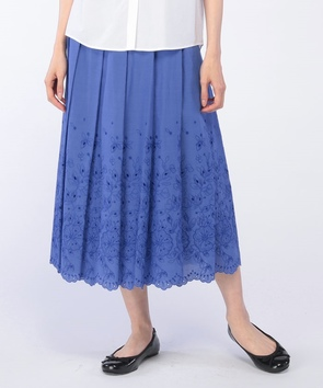 パネル刺繍スカート
