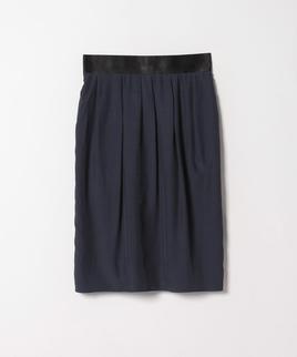 タックドレープスカート