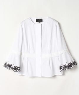 スカラップフラワー刺繍ノーカラージャケット