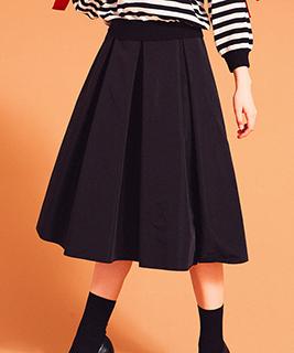 ★バックプリーツスカート