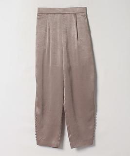 サテン素材パンツ