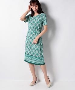【洗える】ジョイクール幾何柄パネルプリントドレス