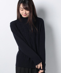 ケーブル編み ハイネックセーター