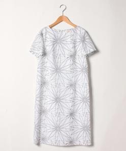 【大きいサイズ】花柄プリントワンピース/スラブマット
