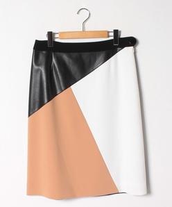 二重織×フェイクレザー セミフレアスカート