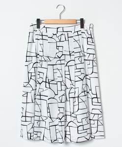 【大きいサイズ/セットアップ対応】シルキーデシン 幾何柄プリントスカート