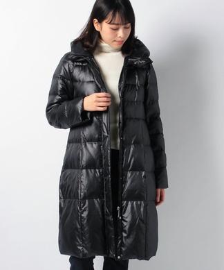 ボリューム衿のダウンコート