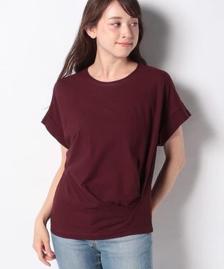 タックTシャツ