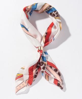 リング付きスカーフ