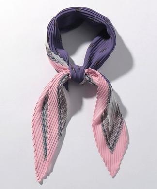 プリーツスカーフ