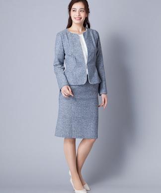 ノーカラージャケット×ミディ丈スカートスーツ