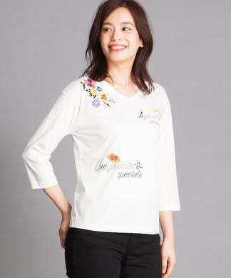 フラワー&ロゴ刺繍Tシャツ