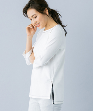 【MUSE BY ROCHAS Premiere】サイドスリットTシャツ