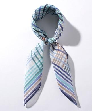 格子柄スカーフ