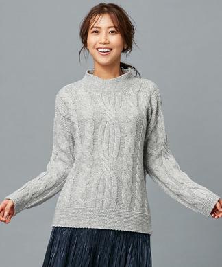 【LE TRICOT PERUGIA】オフネックケーブル編みセーター