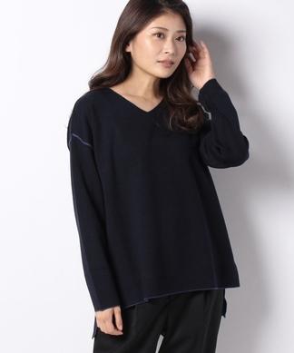 Vネックセーター