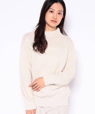 ボトルネックセーター