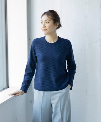 編み柄セーター