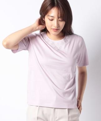 フラワー調刺繍Tシャツ