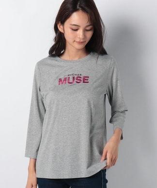 【MUSE BY ROCHAS Premiere】ロゴ刺繍クルーネックカットソー