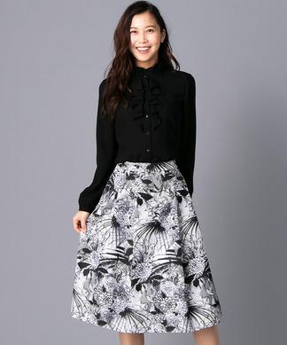 【LIMONTA】モノトーンボタニカル柄スカート