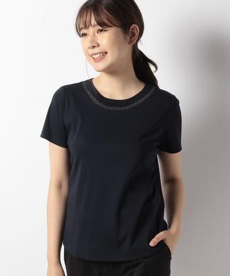 ネックラインTシャツ