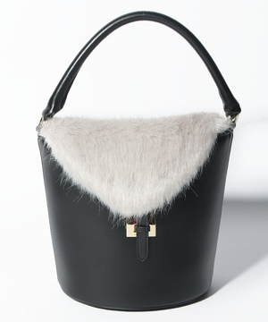 【tov】FUR FLAP BUCKET BAG